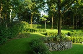 Heuvelachtig Tuin Ontwerp : Tuinaanleg tuinman glabbeek groen hoven